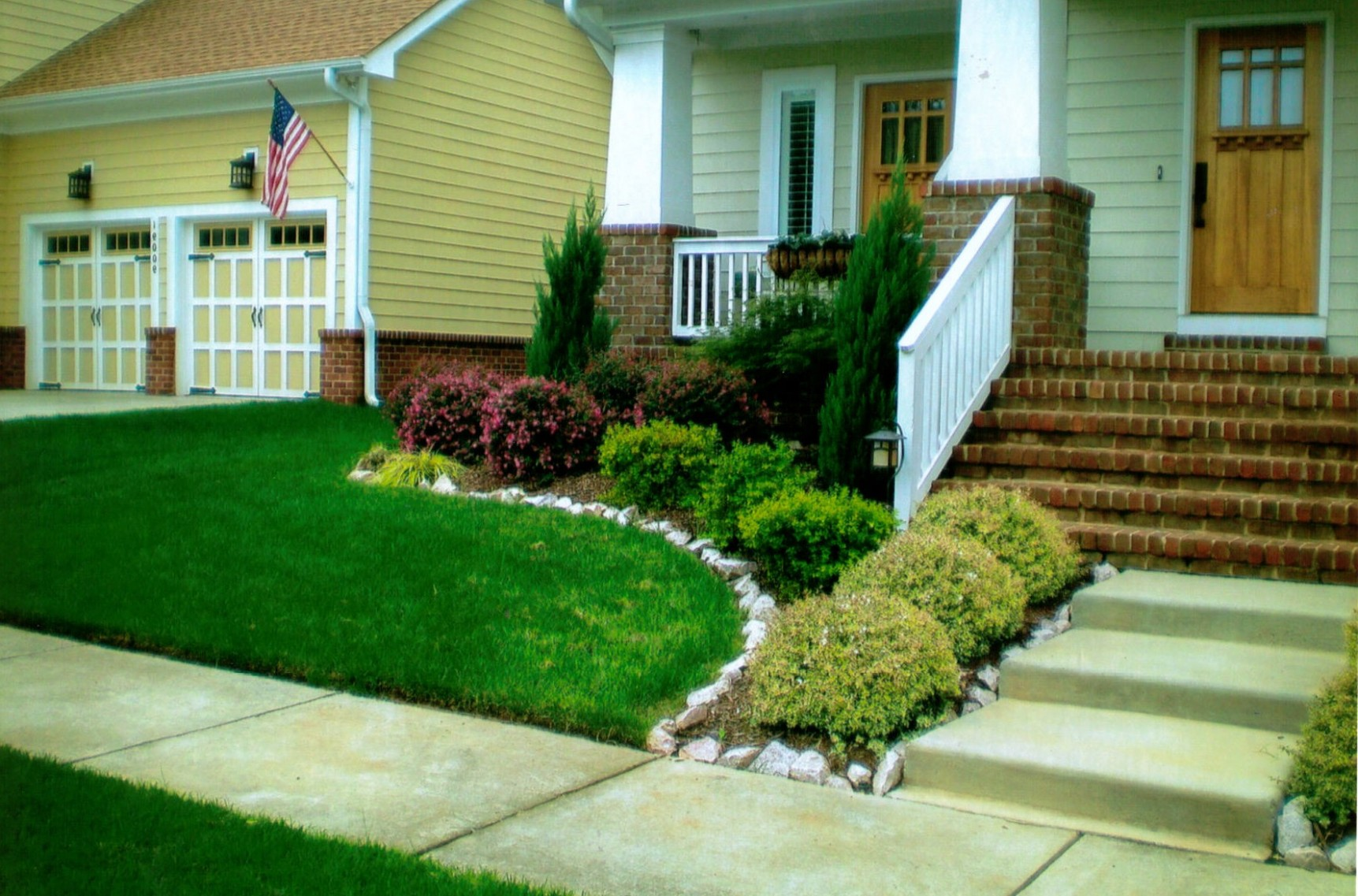 15 Awesome Front Yard Landscaping Ideas