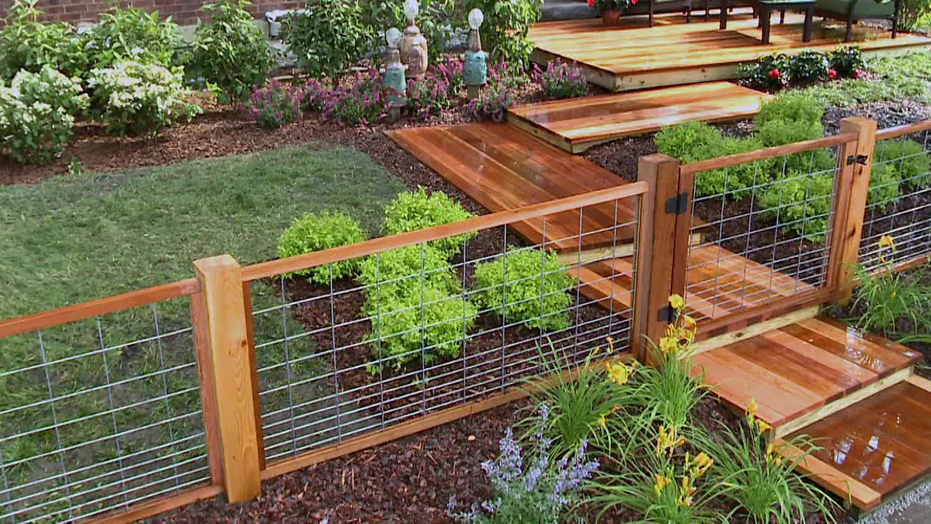 10+ Best Hog Wire Fence Design and Ideas for Your Backyard