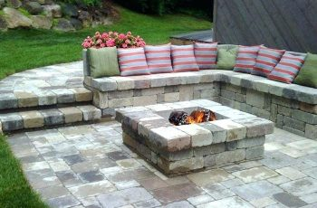 12 Backyard Fire Pit Ideas to Comfort Your Night