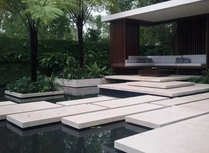 Cool Minimalist Fish Pond Design