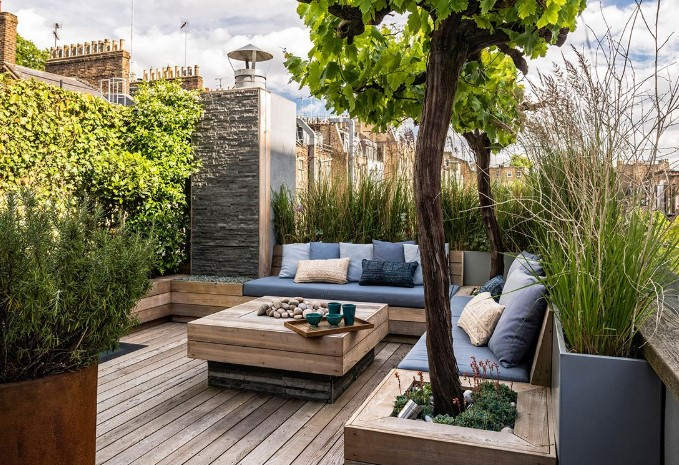 Minimalist Garden With Four Major Elements