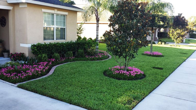 15 Awesome Front Yard Landscaping Ideas on Front Yard And Backyard Landscaping Ideas id=58874