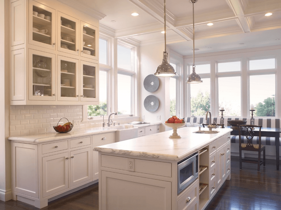 15+ Ideas to Decorate The White Cabinets for Your Kitchen