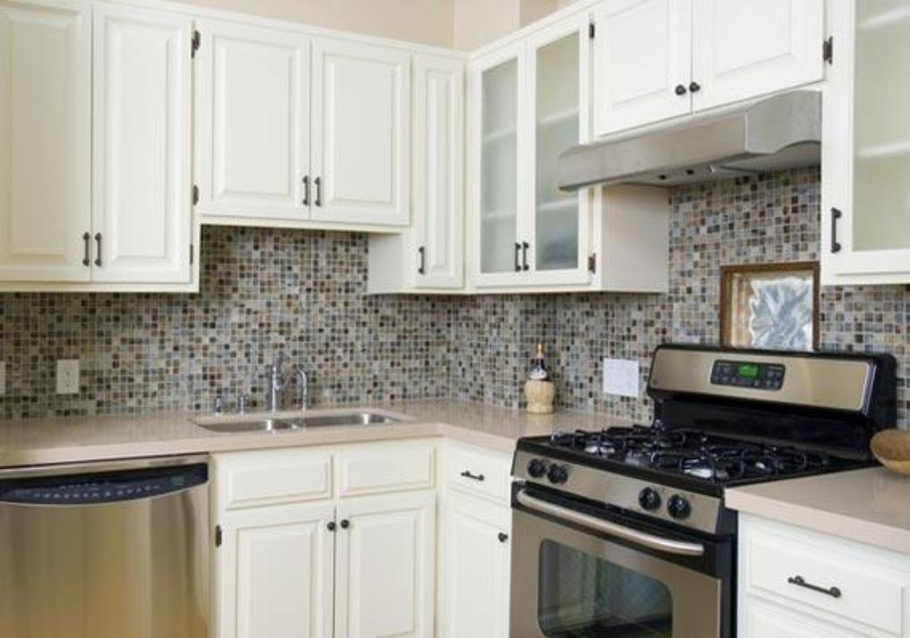 15 Ideas To Decorate The White Cabinets For Your Kitchen