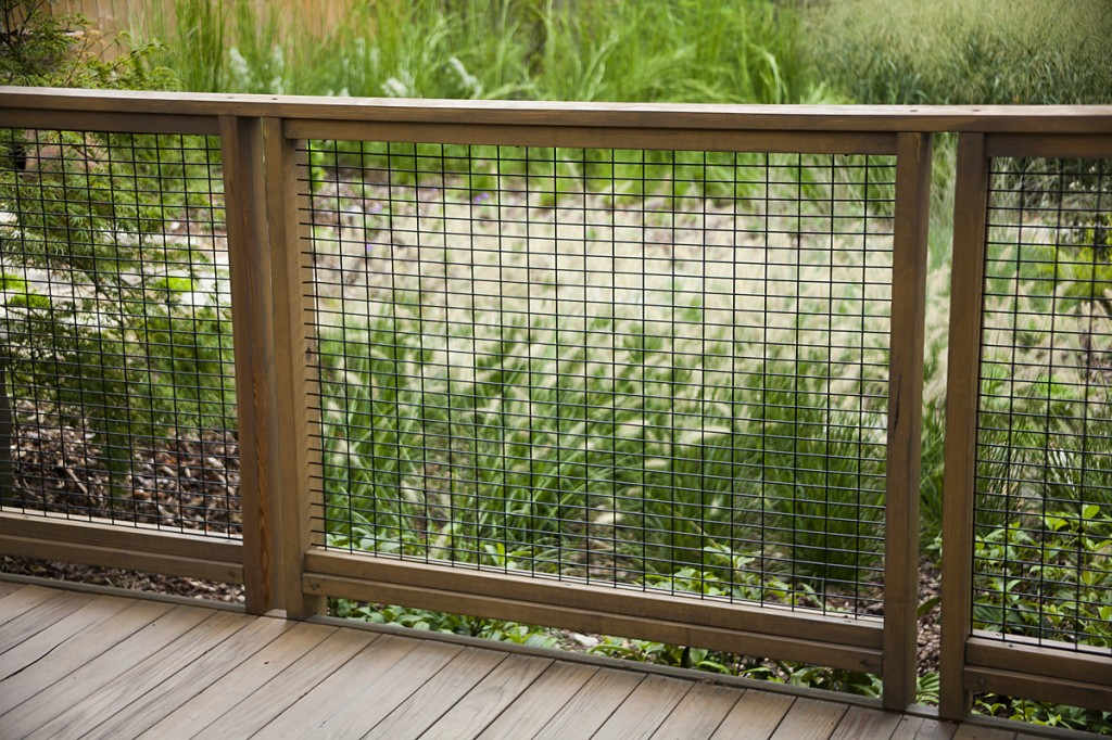 10 Best Hog Wire Fence Design And Ideas For Your Backyard